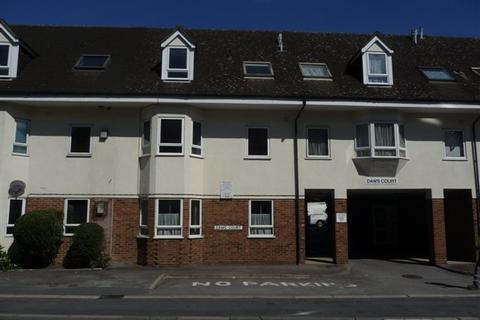 2 bedroom ground floor flat to rent - Daws Court, Iver