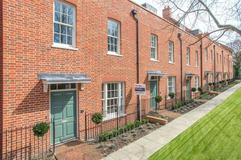 4 bedroom terraced house to rent - Old Ruttington Lane, Canterbury, CT1