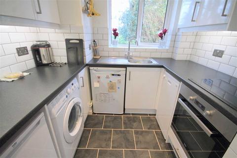 1 bedroom flat to rent - Viscount Close, Poole