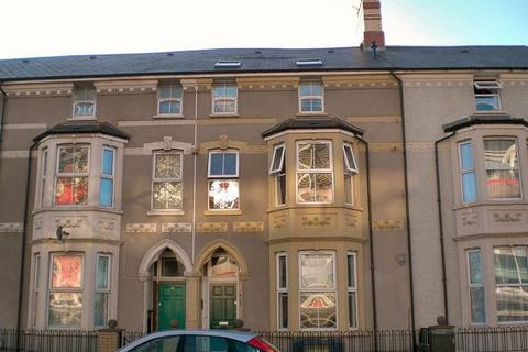 2 bedroom flat to rent - Fitzhamon Embankment, Cardiff, CF11 6AN