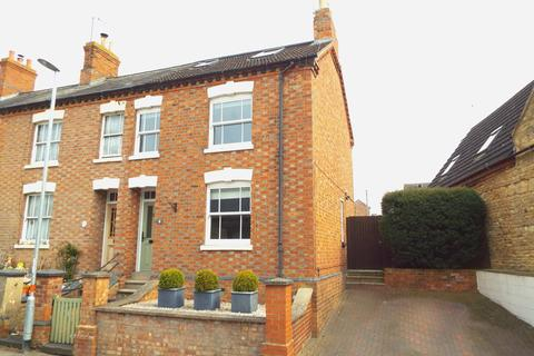 3 bedroom end of terrace house for sale - High Street, Wollaston, Northamptonshire, NN297QQ