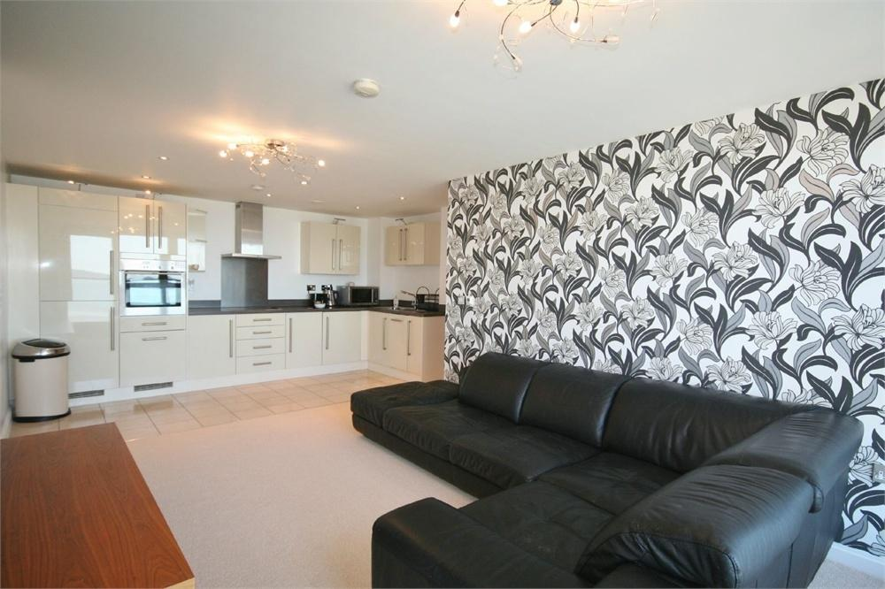 2 Bedrooms Flat for sale in Aurora, Maritime Quarter, SWANSEA