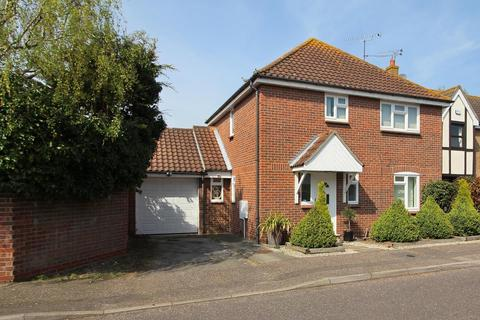 4 bedroom detached house for sale - Hopkins Mead, Chelmsford, Essex, CM2