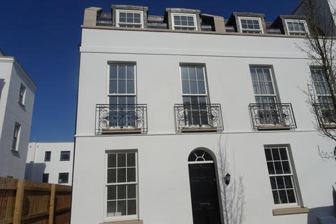 3 bedroom end of terrace house to rent - Regency Place, Cheltenham GL52