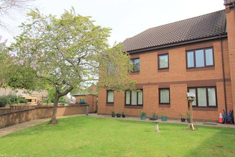 2 bedroom flat for sale - Tanners Court, Midland Way, Thornbury, BS35 2BY