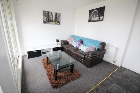 4 bedroom flat to rent - Gardner Crescent, Aberdeen AB12