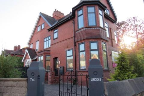 1 bedroom apartment to rent - The Lindens, 214 Washway Road, Sale, Cheshire, M33 4RA