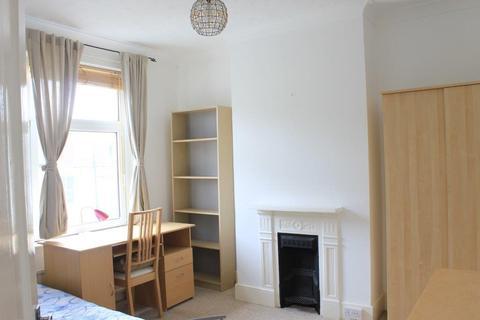 3 bedroom house share to rent - Bennett Road, BRIGHTON BN2