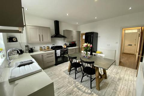 3 bedroom terraced house for sale - Rose Terrace, Horsforth, LS18