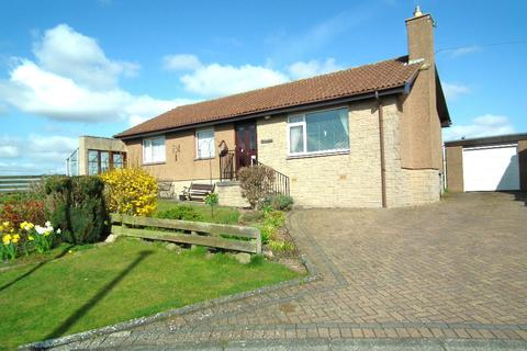 3 bedroom detached bungalow for sale - 3 Knowes Close, Hutton TD15 1TS
