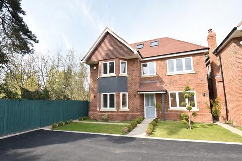 6 bedroom house to rent - Fairfield Lane, Farnham Royal, SL2
