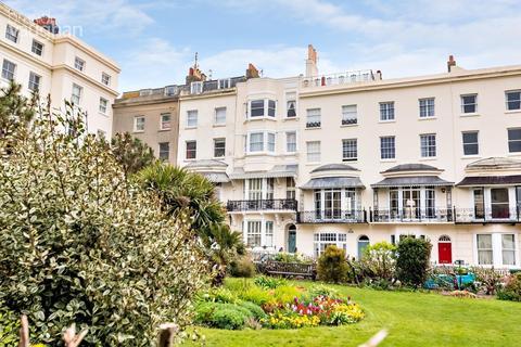 2 bedroom flat to rent - Marine Square, Brighton, BN2
