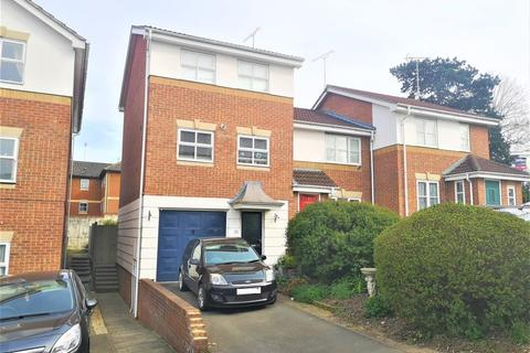 3 bedroom townhouse to rent - Elm Park,  Reading,  RG30