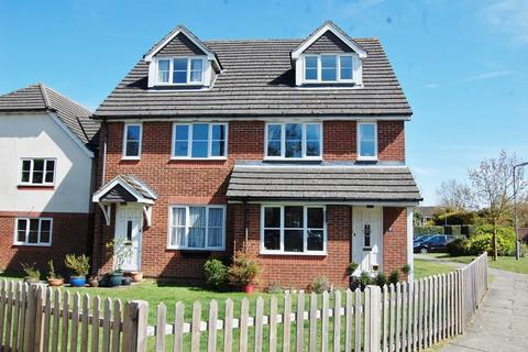 1 bedroom flat to rent - Derwent Close, Amersham, HP7