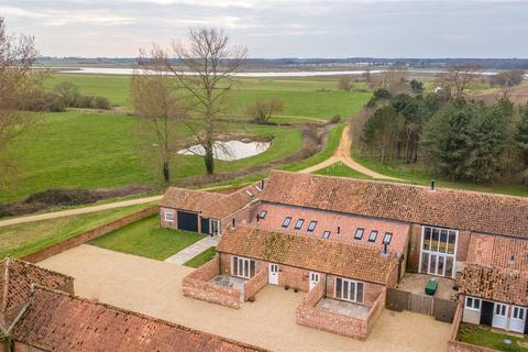 3 bedroom character property for sale - Wheel House, Chillesford Lodge Estate, Woodbridge, Suffolk, IP12