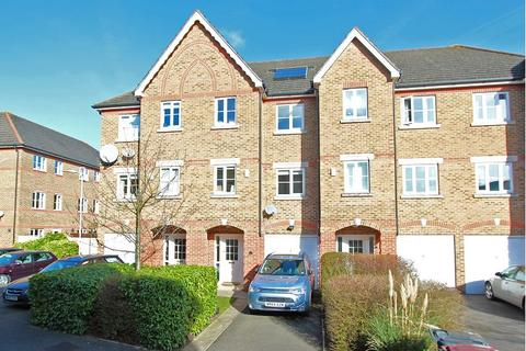 4 bedroom townhouse to rent - Cintra Close, Reading