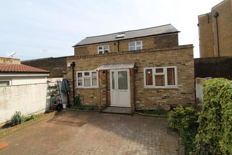 2 bedroom detached house to rent - Astbury Road, Peckham, SE15