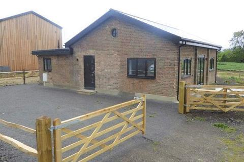 3 bedroom barn conversion to rent - Pagehurst Road, Staplehurst