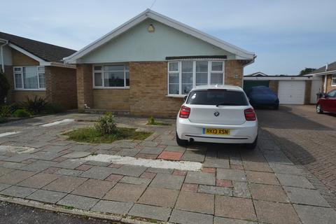 2 bedroom detached bungalow to rent - Thornbury Road, Southbourne