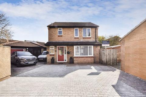4 bedroom detached house for sale - Isis Avenue, Bicester