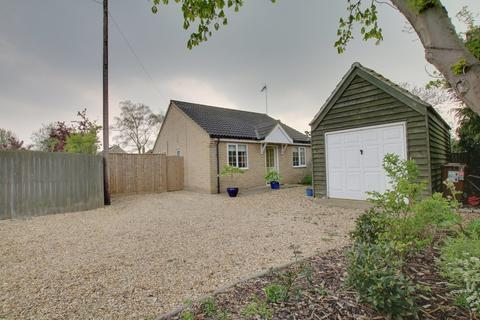 3 bedroom detached bungalow for sale - Wood Street, Chatteris
