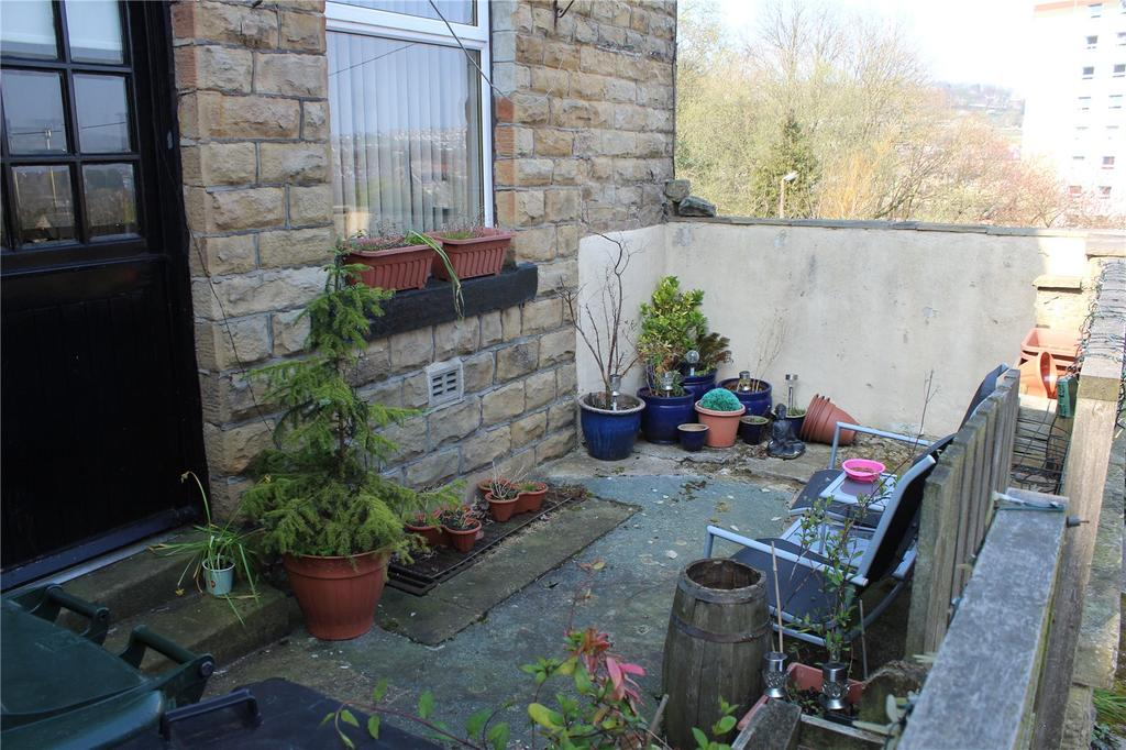 Yorkshire Terrace: Ivy Street South, Keighley, West Yorkshire, BD21 3 Bed End