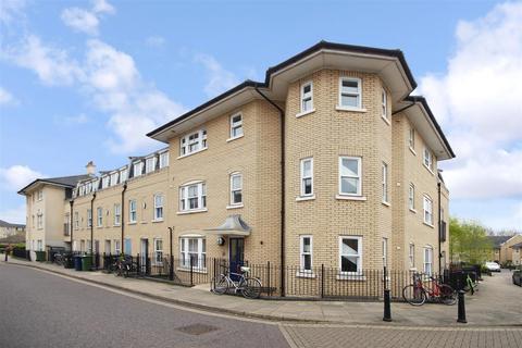 3 bedroom flat to rent - St. Matthews Gardens, Cambridge