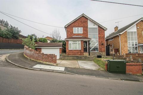 3 bedroom detached house for sale - Thundersley Park Road, Benfleet