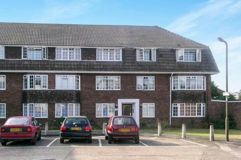2 bedroom house to rent - Goodwood Close, Morden