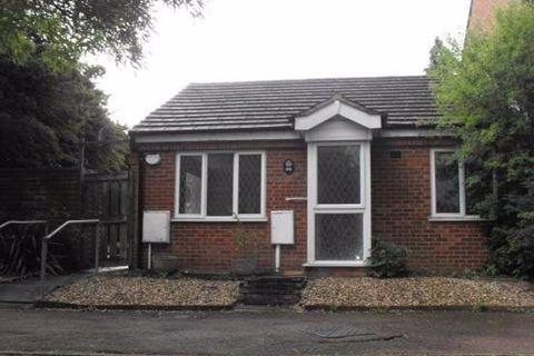 2 bedroom bungalow to rent - Furzton 2 bed Bungalow REF P10473