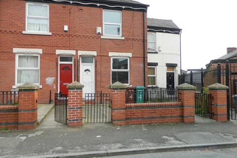 3 bedroom terraced house to rent - Sumac Street, Manchester