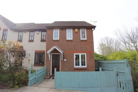 2 bedroom end of terrace house to rent - Brackenbury Close, Portslade