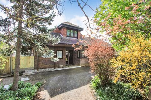 3 bedroom detached bungalow for sale - Kingsdown Park, Tankerton, Whitstable
