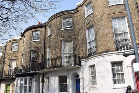 2 bedroom flat to rent - Montpellier Road, Brighton, BN1 3BA