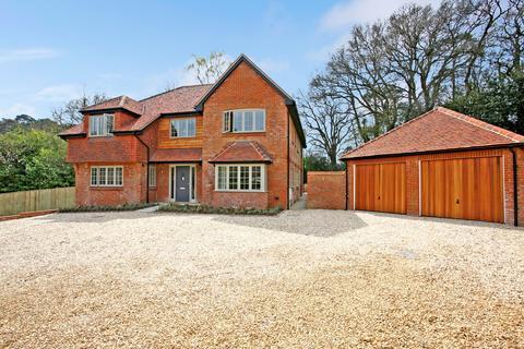 5 bedroom detached house for sale - Tilford Road, Farnham, GU9