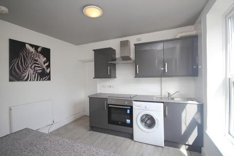 Studio to rent - Albert Road , Stoke, Plymouth