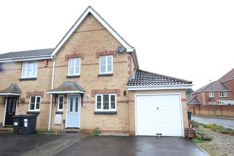 3 bedroom end of terrace house to rent - Saffron Way, Bournemouth