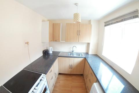 2 bedroom maisonette to rent - Collton Drive, Twyford
