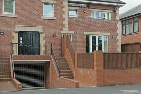 2 bedroom apartment for sale - Lismore Place, Carlisle