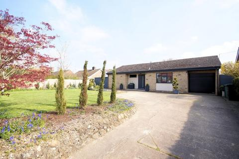 3 bedroom detached bungalow for sale - Ryland Road, Welton