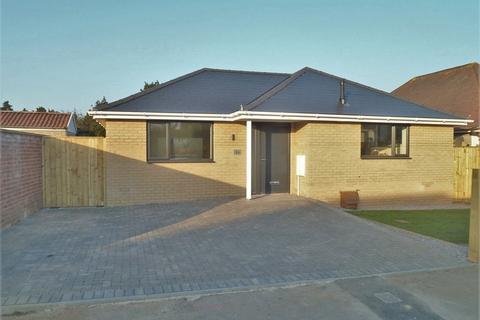 2 bedroom detached bungalow for sale - Paddington Grove, Knighton Heath, Bournemouth