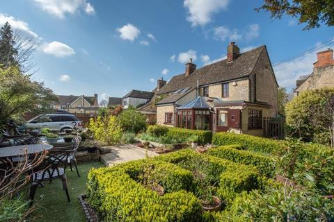 3 bedroom semi-detached house for sale - Manor Road, Woodstock, Oxfordshire