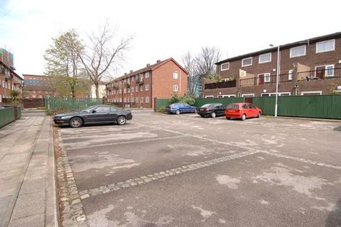 1 bedroom apartment for sale - Dalesman Walk Hulme Manchester M15 6BU