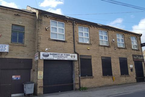 Property to rent - Garnett Street, Bradford, BD3
