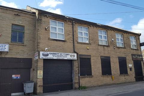Industrial unit to rent - Garnett Street, Bradford, BD3