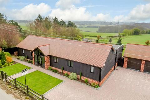 4 bedroom detached bungalow for sale - Ash-Cum-Ridley, Kent