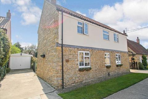 3 bedroom detached house for sale - High Street, Heighington, Lincoln