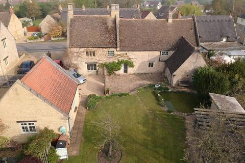 4 bedroom detached house for sale - COUNTRY OPEN HOUSE SAT 27TH APRIL 12.00 - 1.00PM