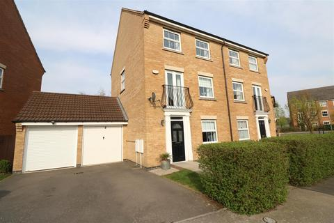 4 bedroom semi-detached house for sale - Campbell Close, Rushden NN10 0YZ