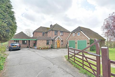 4 bedroom detached house for sale - Bond Lane, Kingsnorth